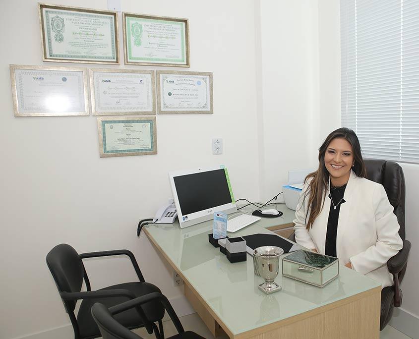 Dra. Thais Harada Campos Espirito Santo