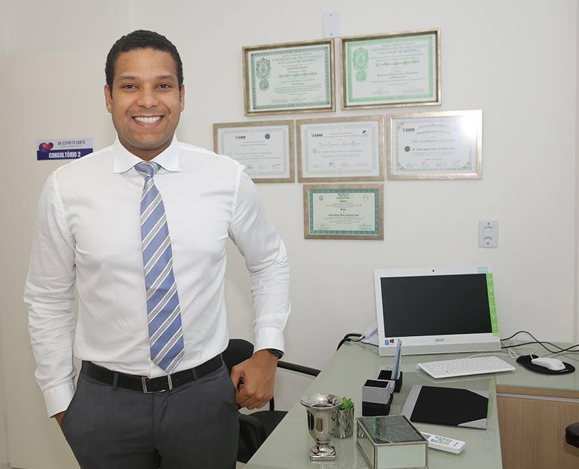 Dr. Carlos Vinicius Abreu do Espirito Santo